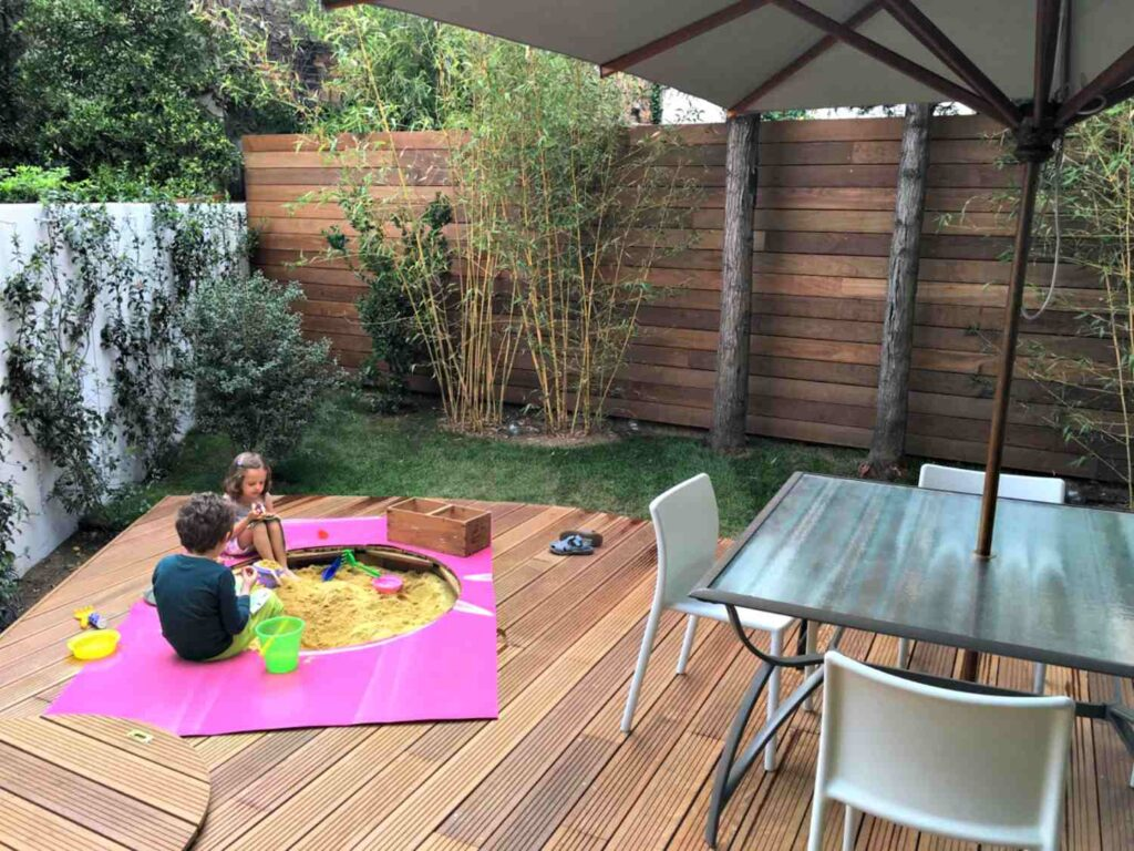 How Do I Choose an Outdoor Living Space Contractor Near Me